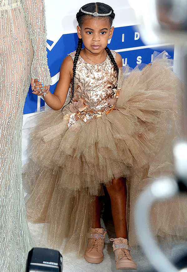 Blue Ivy Carter-MTV-VMAs-Red Carpet-Estrella Fashion Report