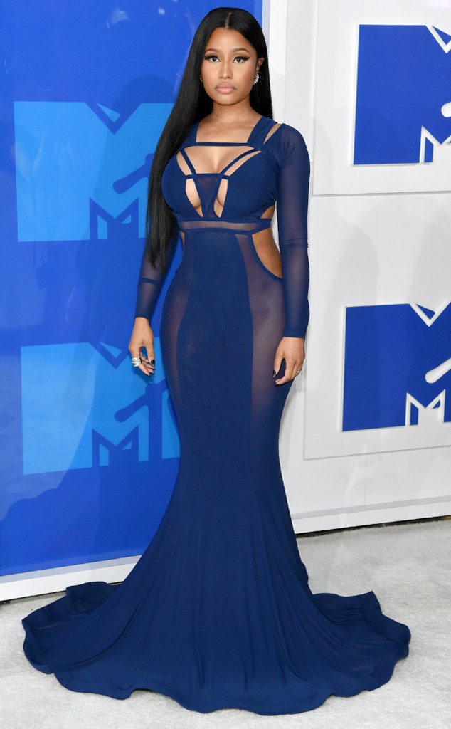 Nicki Minaj-MTV-VMAs-Red Carpet-Estrella Fashion Report -Bao Tranchi