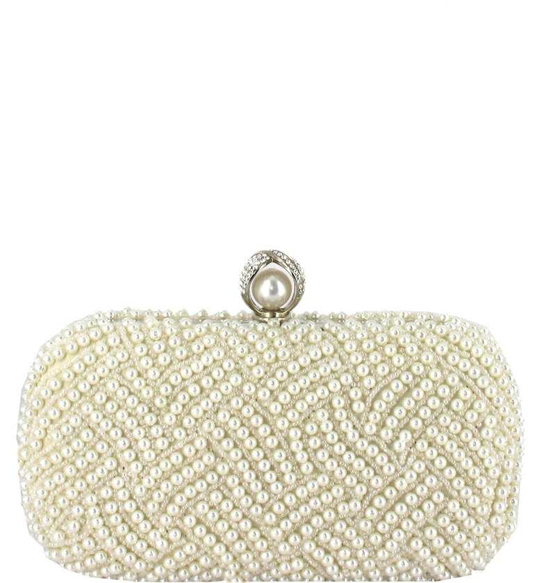 pearl-clutch-shopping-estrella-fashion-report
