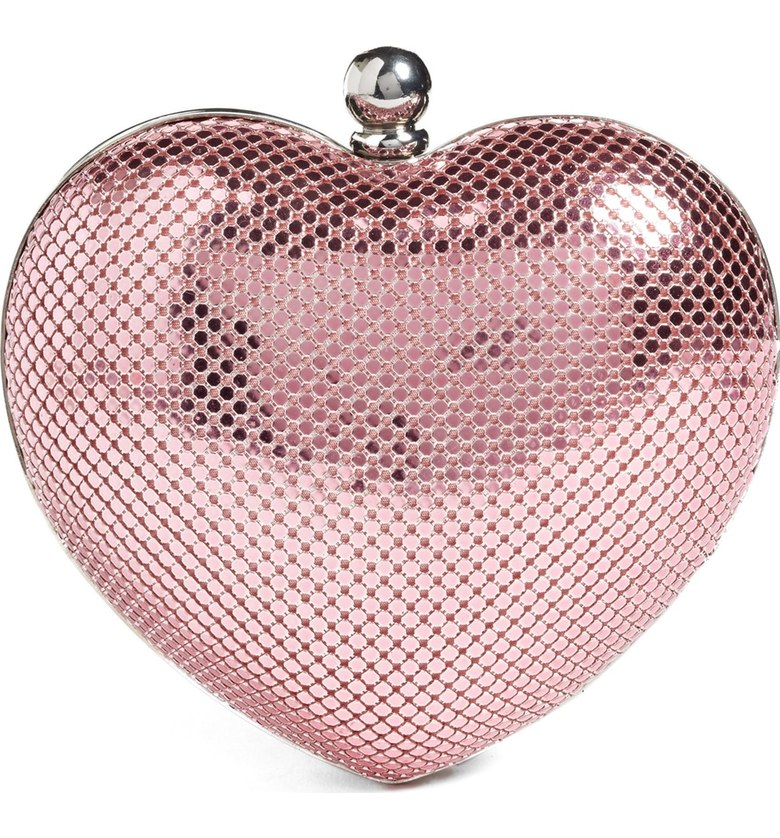 pink-heart-clutch-shopping-estrella-fashion-report