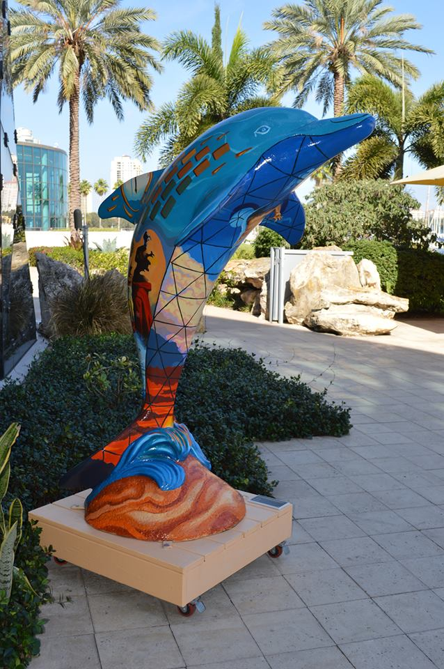 dolphin-sculpture-at-thedali-museum-in-st-pete-florida
