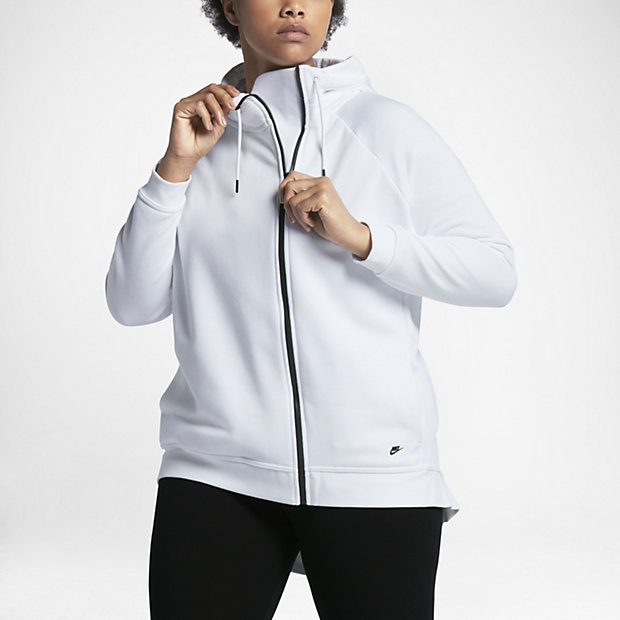 nike-women-plus-size-activewear