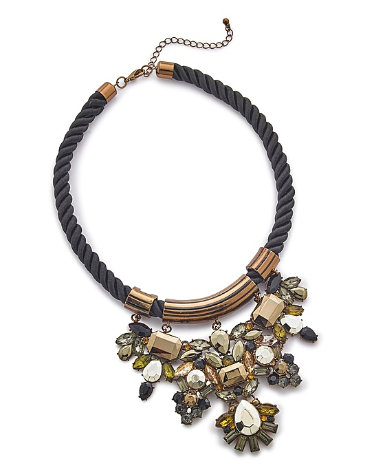 statement-necklace-from-simply-be