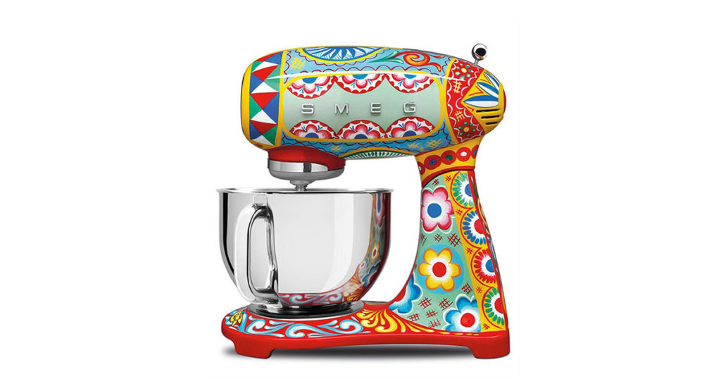 dolce-gabbana-kitchen-appliances-for-smeg-