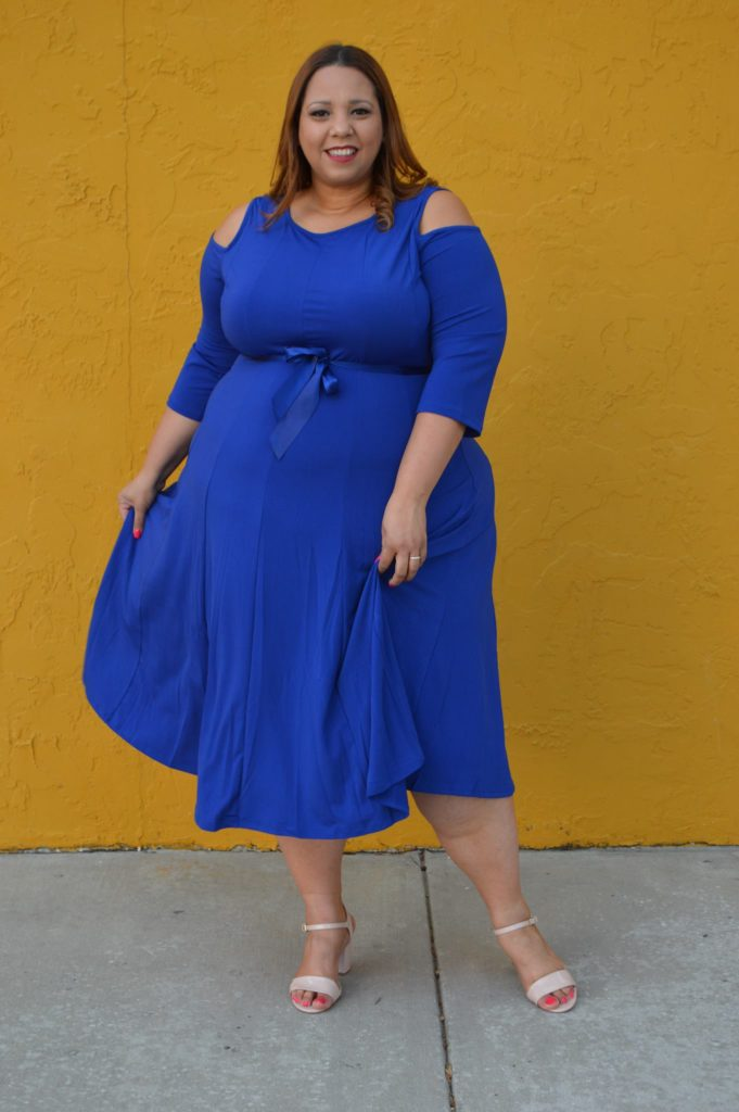 fashion-blogger-farrah-estrella-in-avenue-plus