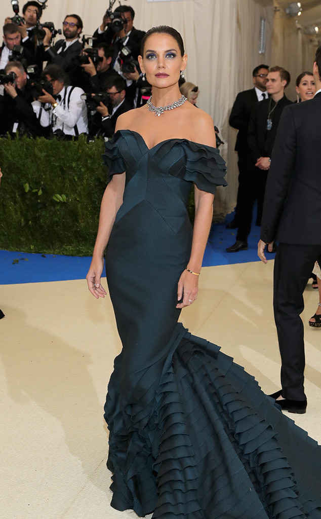 katie-holmes-in-zac0posen-at-the-2017-met-gala