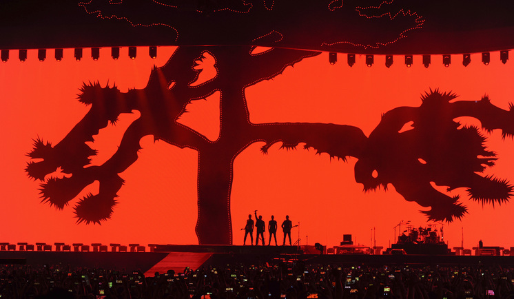 u2-at-raymond-james-stadium-in-tampa