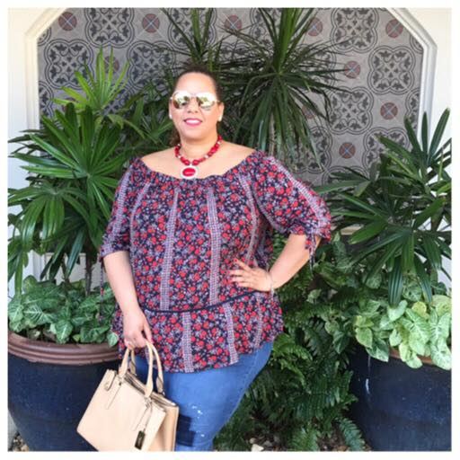 plus-size-fashion-blogger-farrah-estrella