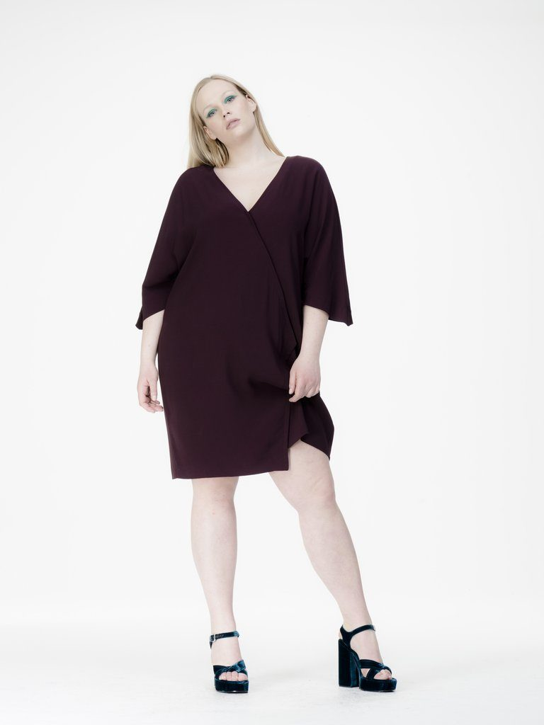 plus-size-dresses-by-universal-standard