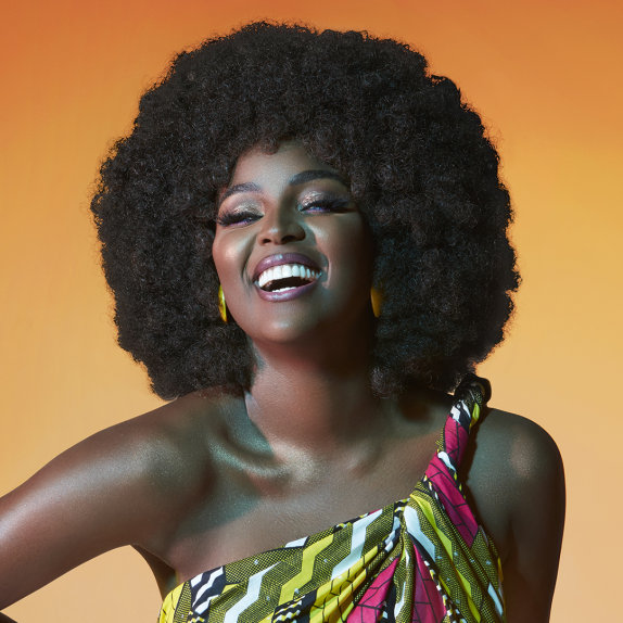 dominican afro latina singer amara la negra