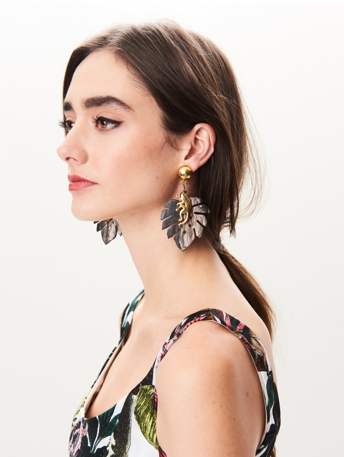 oscar de la renta monkey leaf earrings costume jewelry