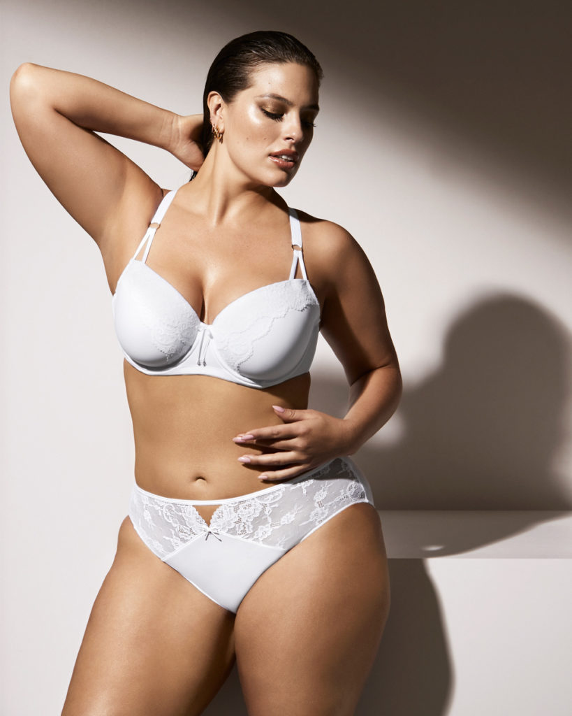 white plus size bra and panty set