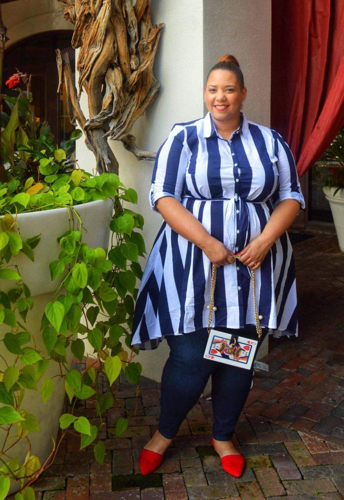 plus size blogger farrah estrella wearing a stripe shirtdress