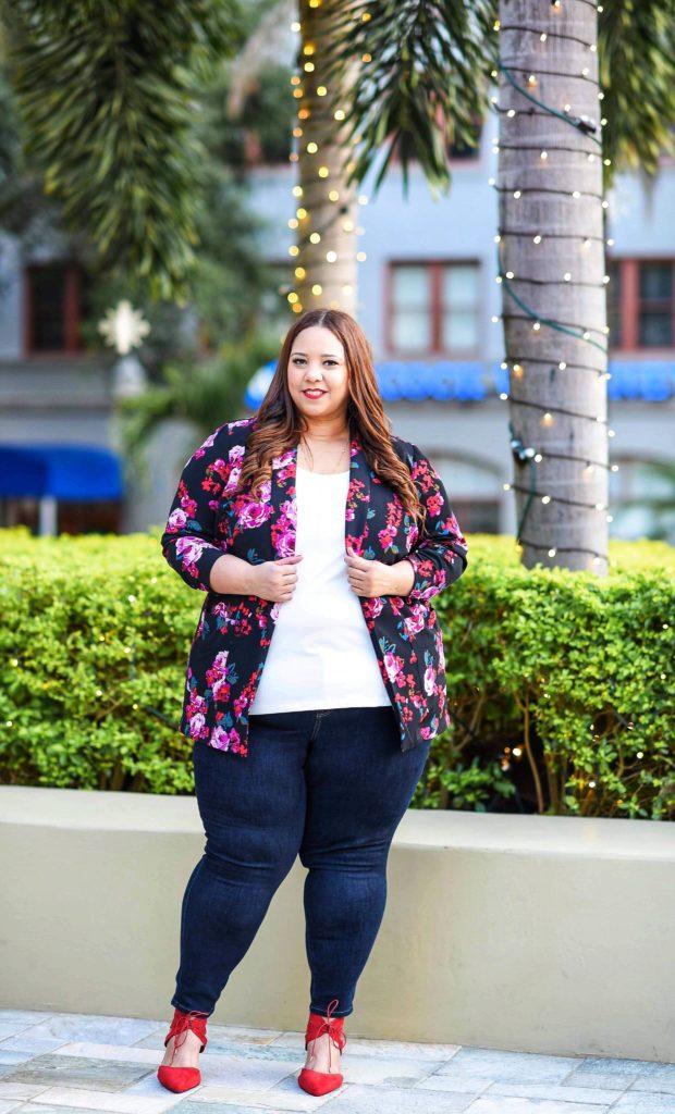 Plus Size Influencer Farrah Estrella.