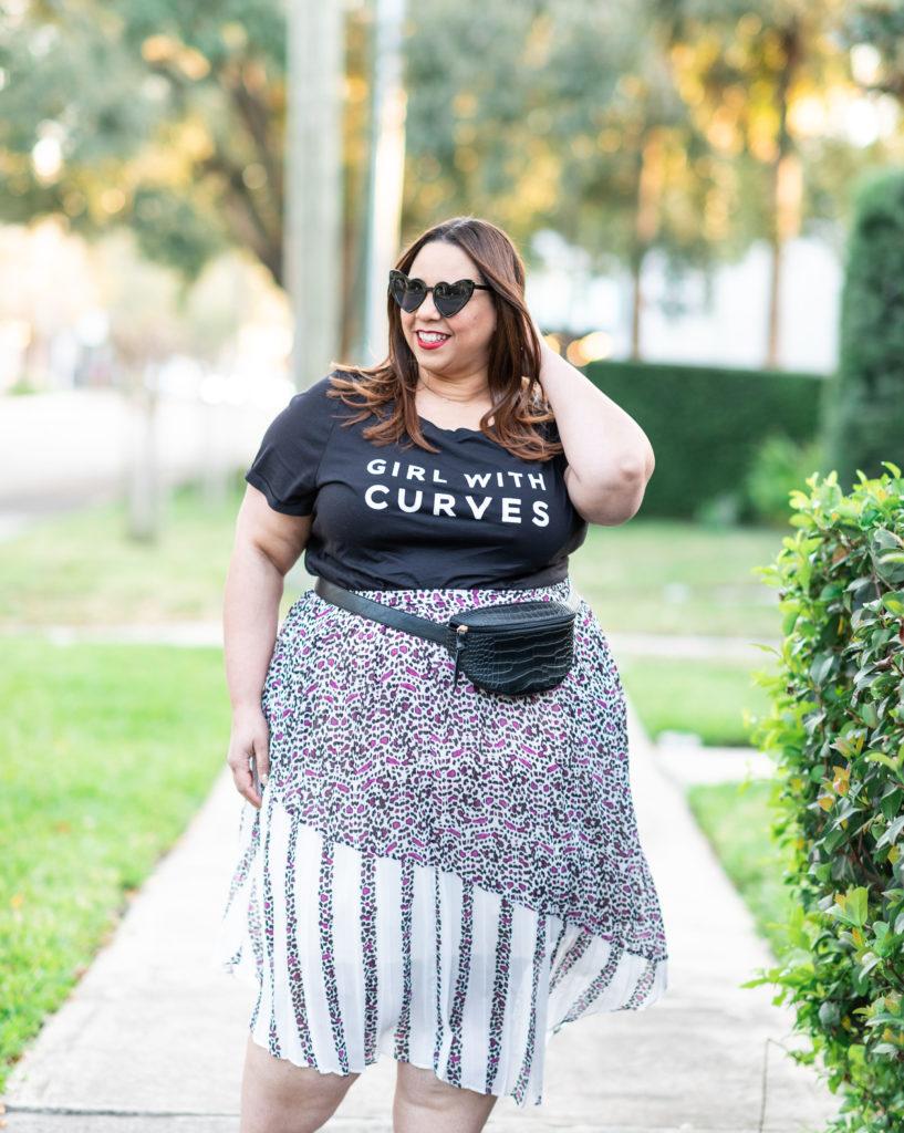 plus size blogger farrah estrella wearing a graphic tee