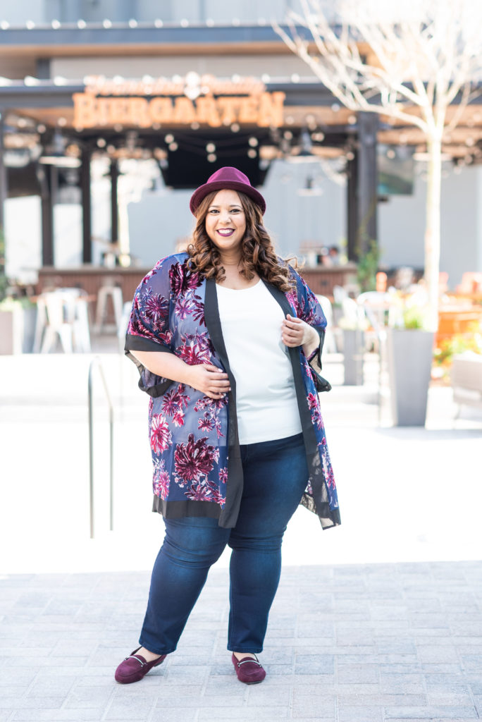 latina plus size fashion blogger farrah estrella
