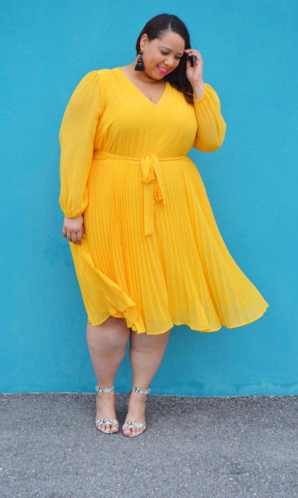 latina plus size blogger