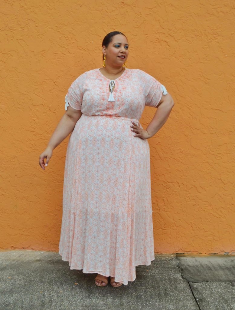 plus size blogger farrah estrella wearing  maxi dress