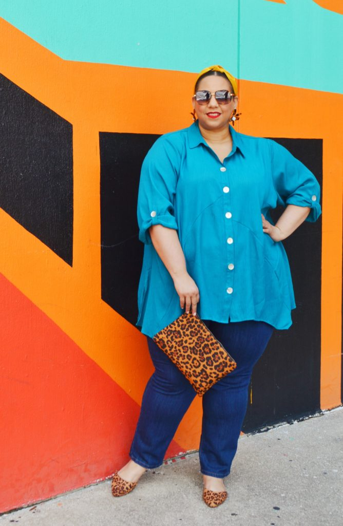 tampa fashion blogger farrah estrella wearing catherines universal jeans