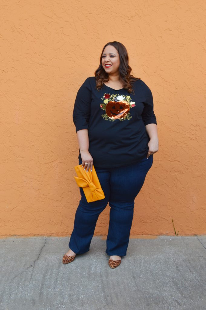 latina fashion blogger farrah estrella wearing a halloween inspired outfit