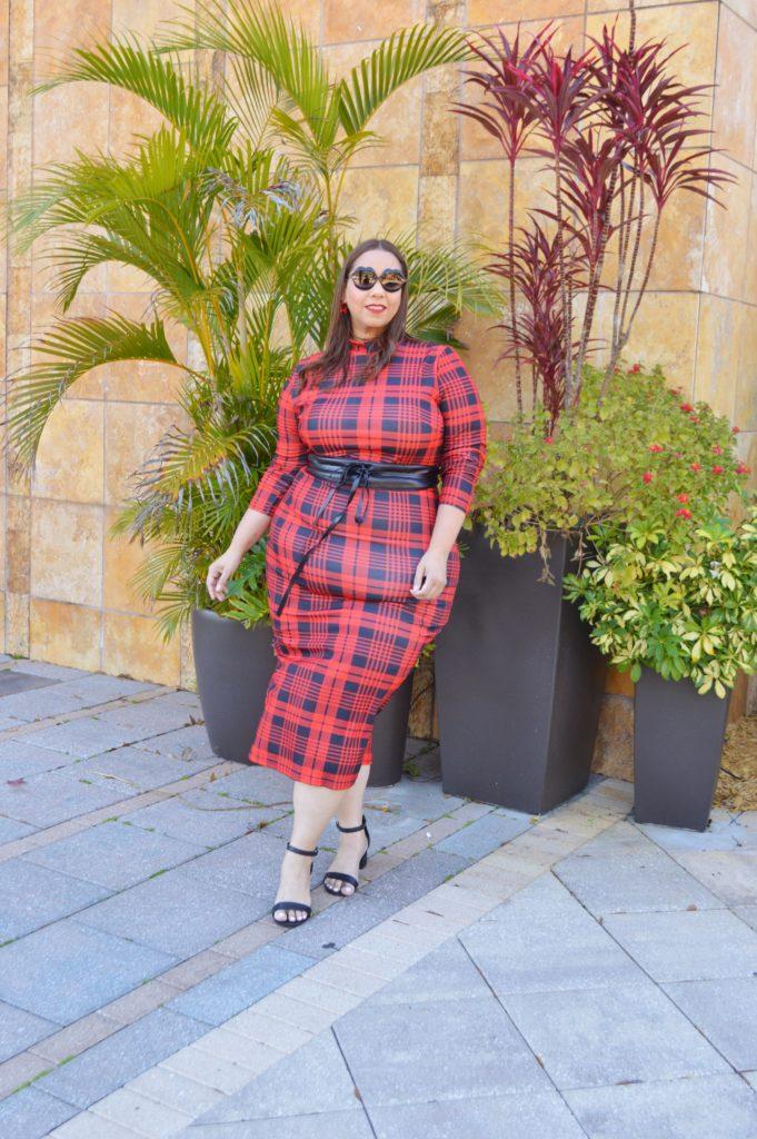 Tampa fashion blogger farrah estrella wearing a plaid dress from shein