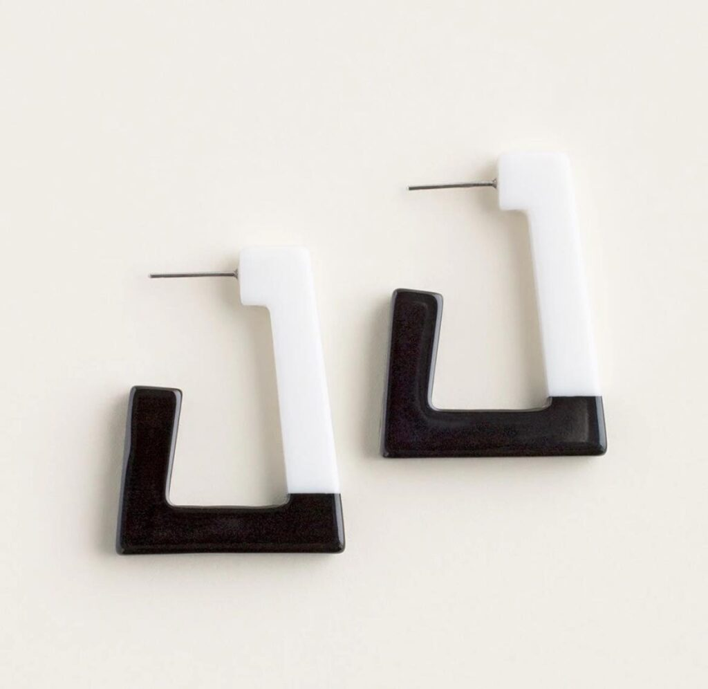 BLACK AND WHITE OPEN-HOOP EARRINGS