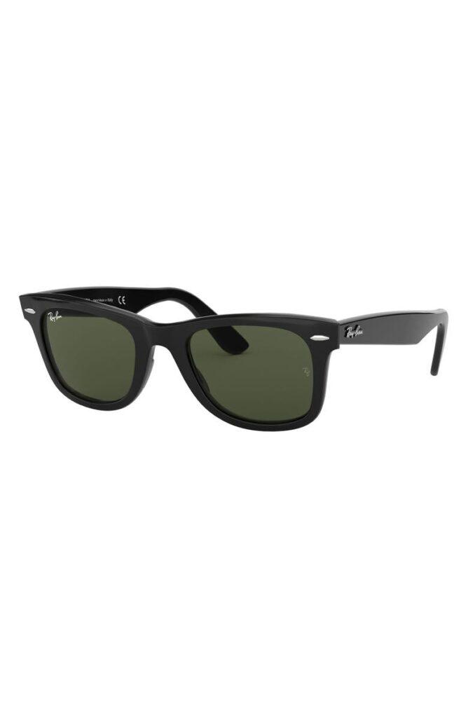 Ray Ban Classic Wayfarer Sunglasses in Black